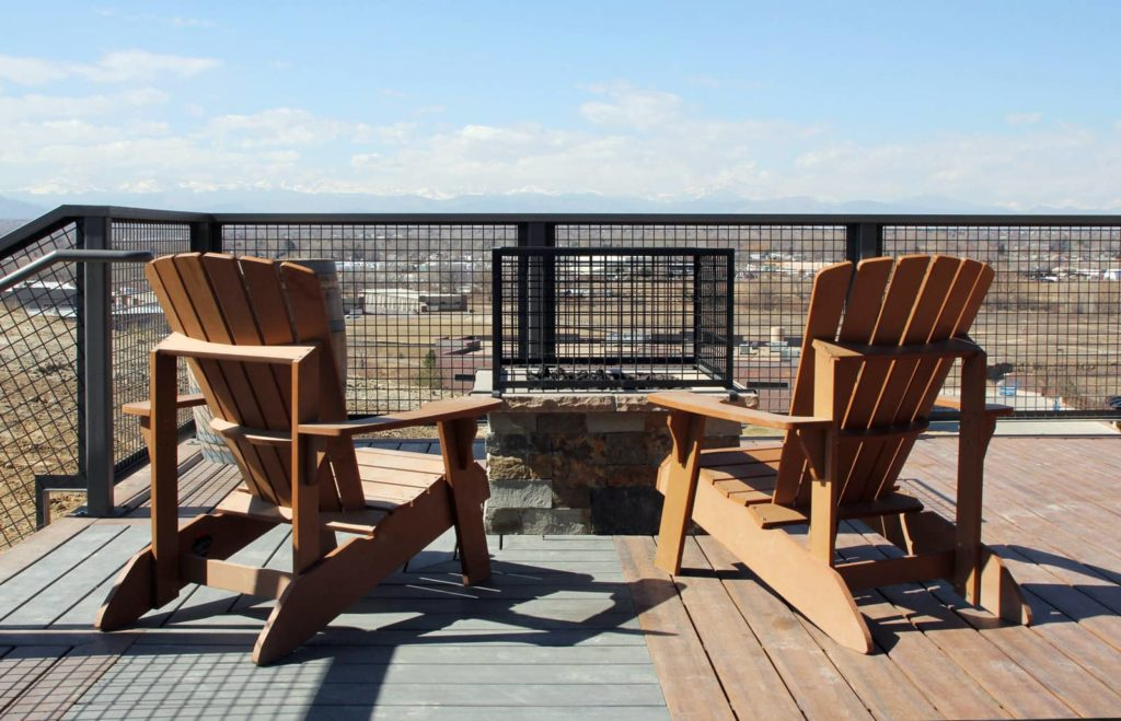 The mountain View Deck at Acreage